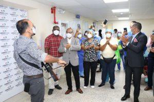 Hospital de SJM, y laboratorios LAM auspician aguinaldo a personal médico y administrativo.