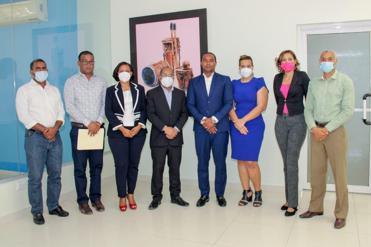 Hospital Alejandro Cabral y UASD San Juan realizan encuentro de cooperación interinstitucional