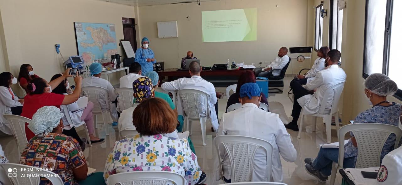 Hospital Dr. Alejandro Cabral Realiza Jornadas de Capacitación que Garantizan la Calidad del Servicio de Salud